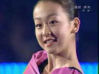 浅田真央 世界選手権2007 エキシビション演技 (解説:日本語・アメリカ英語・イギリス英語)