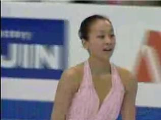 浅田真央 世界選手権2007 ショート演技 (解説:アメリカ英語・イギリス英語)